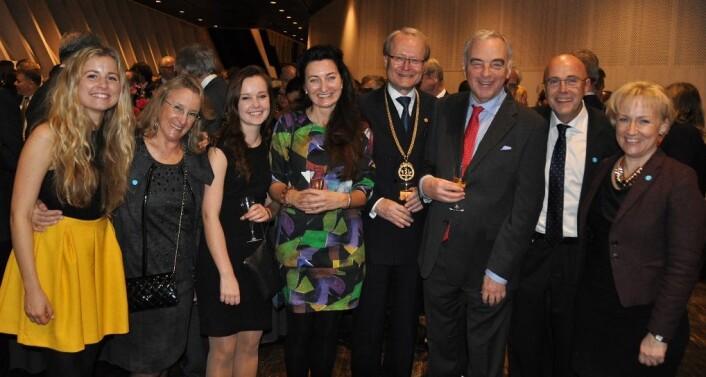 Etter Nobelforedraget med blant annet Isabel Moser, Carol A. Barnes, Anders Hamsten, Lars Leijonborg og Helene Hellmark Knutsson. (Foto: privat)