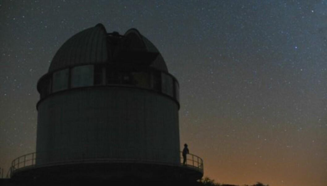 Stjernene på himmelen over Nordisk optisk teleskop på La Palma, Kanariøyene.  (Foto: Håkon Dahle)
