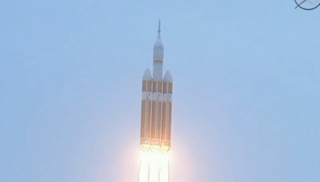 Orion skytes opp fra Cape Canaveral i Florida, 13:05 norsk tid. (Skjermdump fra NASA)
