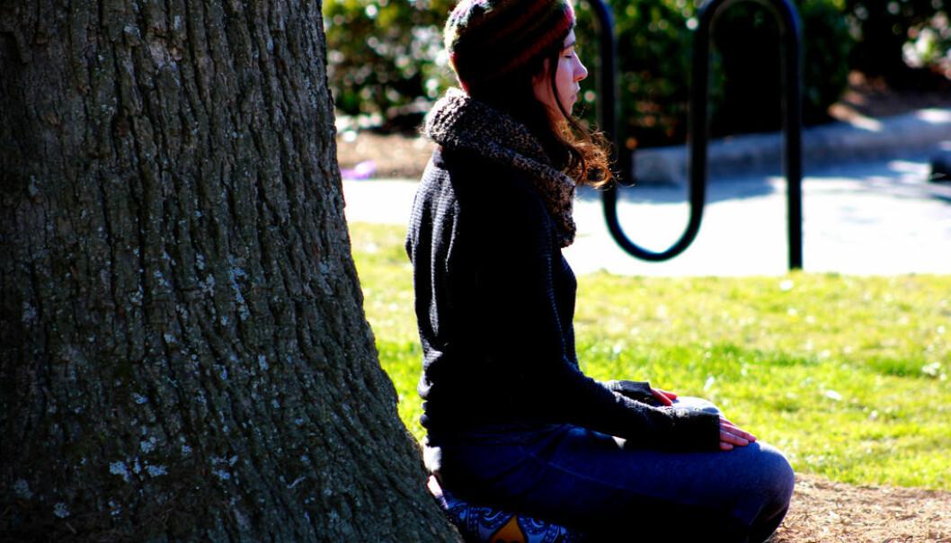 Mindfulness er et enkelt prinsipp som mange sverger til. Nå kan det se ut til at metoden kan være like god som vanlig behandling i helsetjenesten.  (Foto: Caleb Roenigk, Flickr)