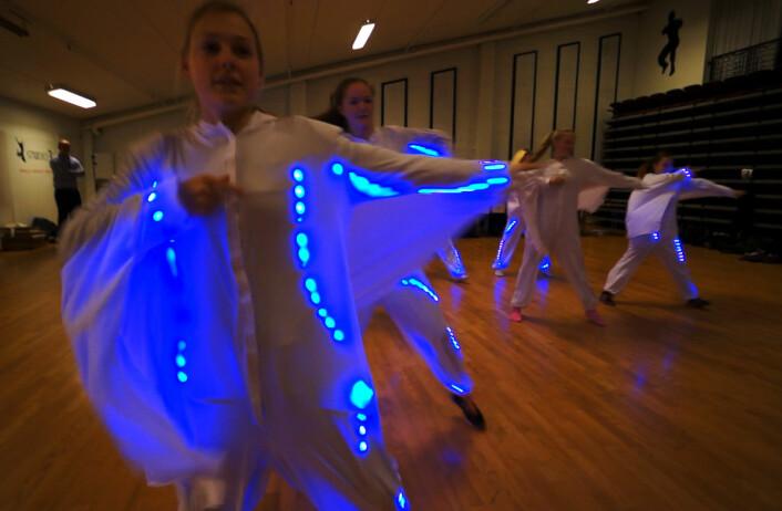 Den aller første prøven gjøres med lyset på. (Foto: Arnfinn Christensen, forskning.no)