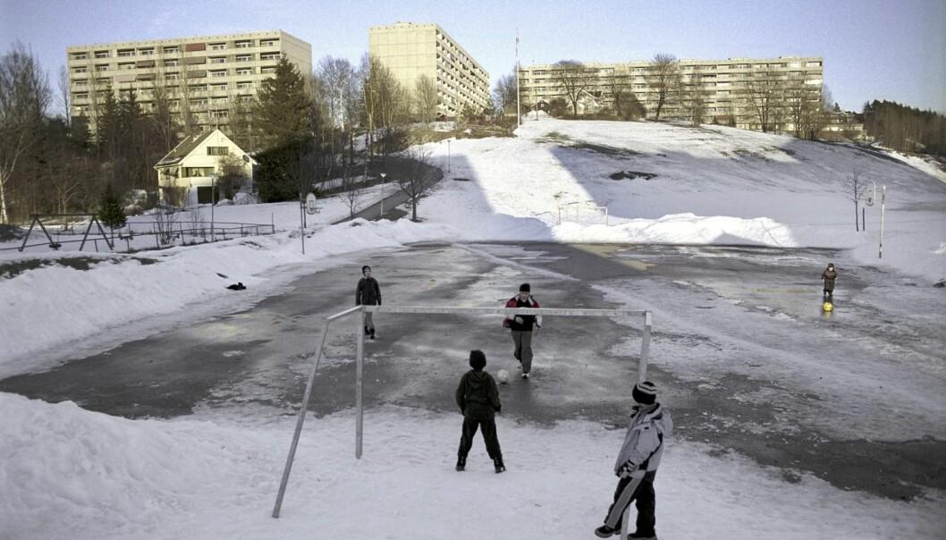 Målet med satsingen er å gjøre Groruddalen til et bedre sted å leve og vokse opp i. Her er en lekeplass for barn på Haugenstua i Groruddalen, Oslo. (Foto:  Robert Bråthen / Samfoto)