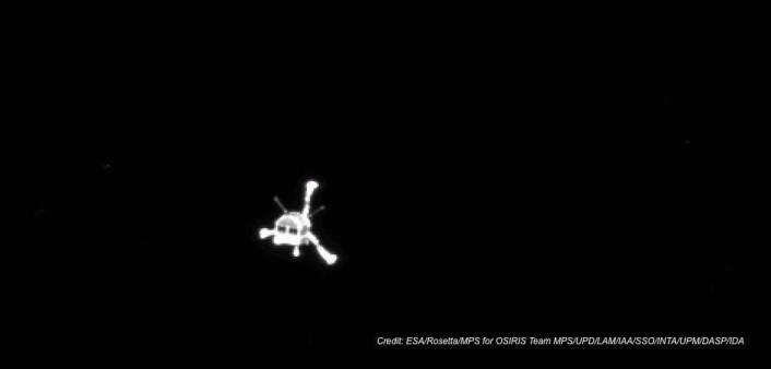 Det første bildet av Philae etter at landingssonden ble satt fri fra moderfartøyet Rosetta. Foto: ESA/Rosetta/MPS/UPD/LAM/IAA/SSO/INTA/UPM/DASP/IDA (Foto: ESA/Rosetta/MPS/UPD/LAM/IAA/SSO/INTA/UPM/DASP/IDA)