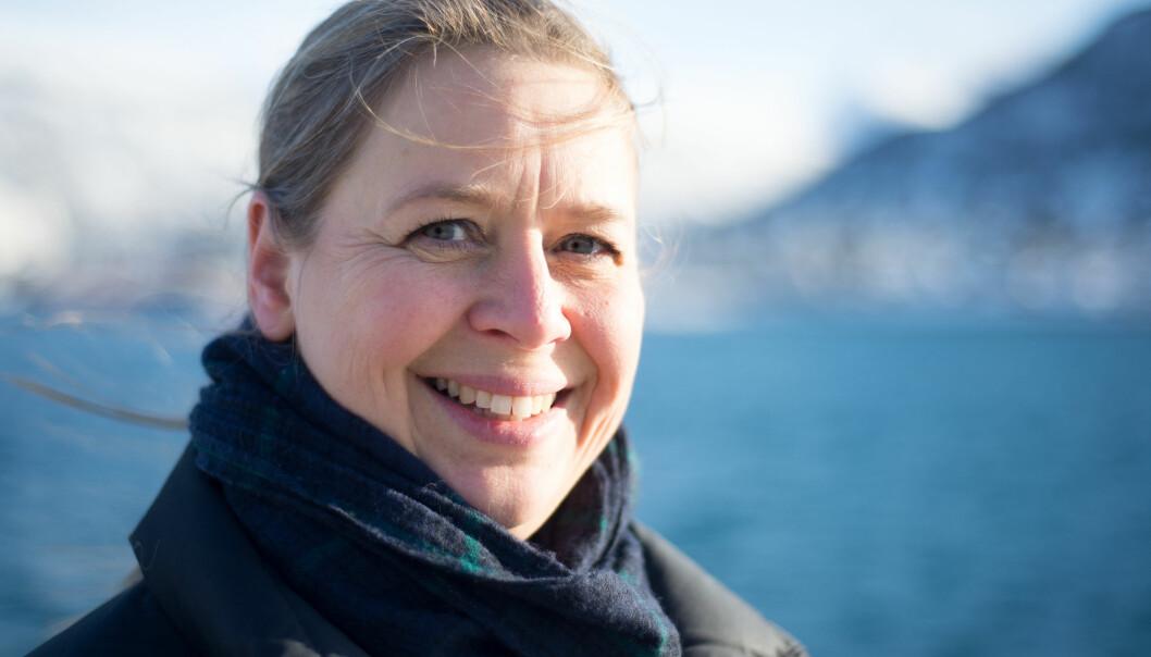 Tove M. Gabrielsen er professor ved Universitetet i Adger og forsker på mikroskopisk små organismer i arktiske farvann. I Arven etter Nansen leder Tove arbeidspakken om forskningsdatalagring og forvaltning, og hun er nestleder under det pågående toktet til det lite utforskede nordlige delen av Barentshavet.