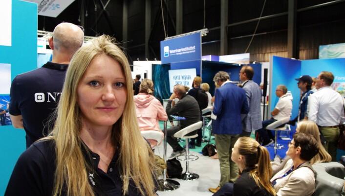 Stine Gismervik fra Veterinærinstituttet var blant  mange populære institusjoner på forskningstorget under Aqua Nor 2019,  i Trondheim. (Foto: Bjørn Lønnum Andreassen/Frilans-Andreassen.no)