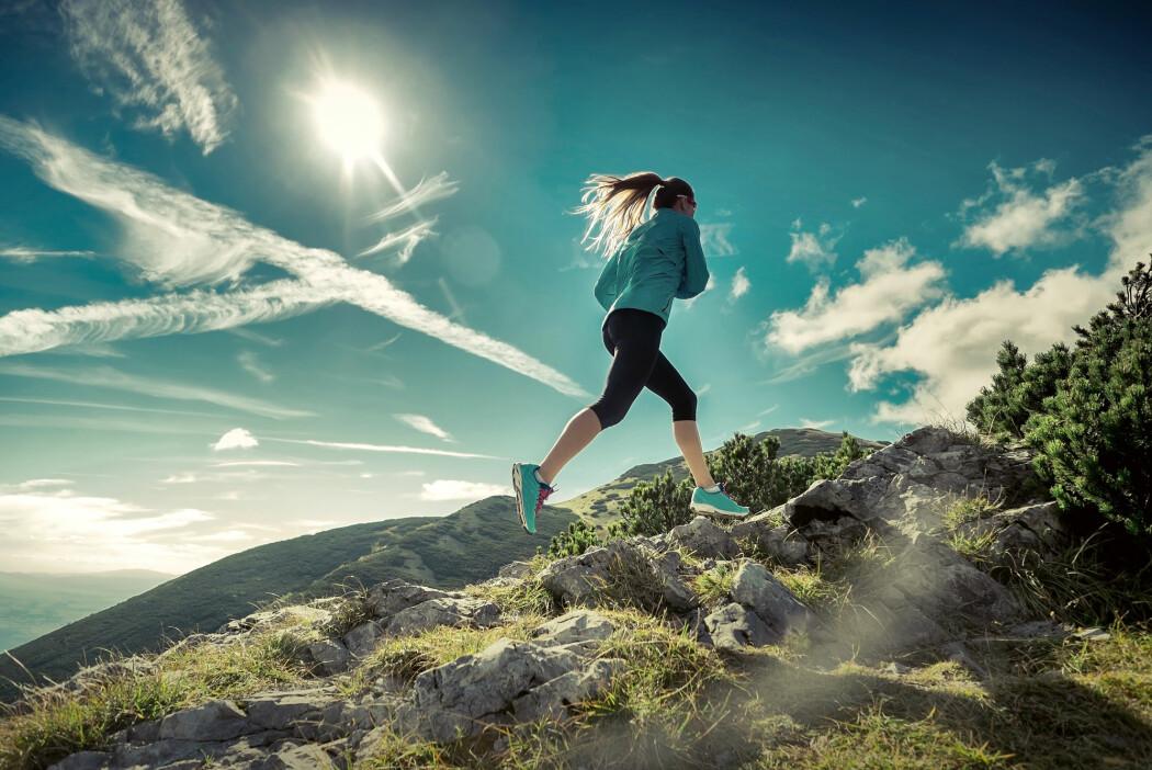 Trening ser ut til å ha effekt på kreft, uansett om du traver rundt i fjellet, løfter vekter eller vasker gulv, melder amerikansk forsker. (Foto: Andrey Yurlov / Shutterstock / NTB scanpix)