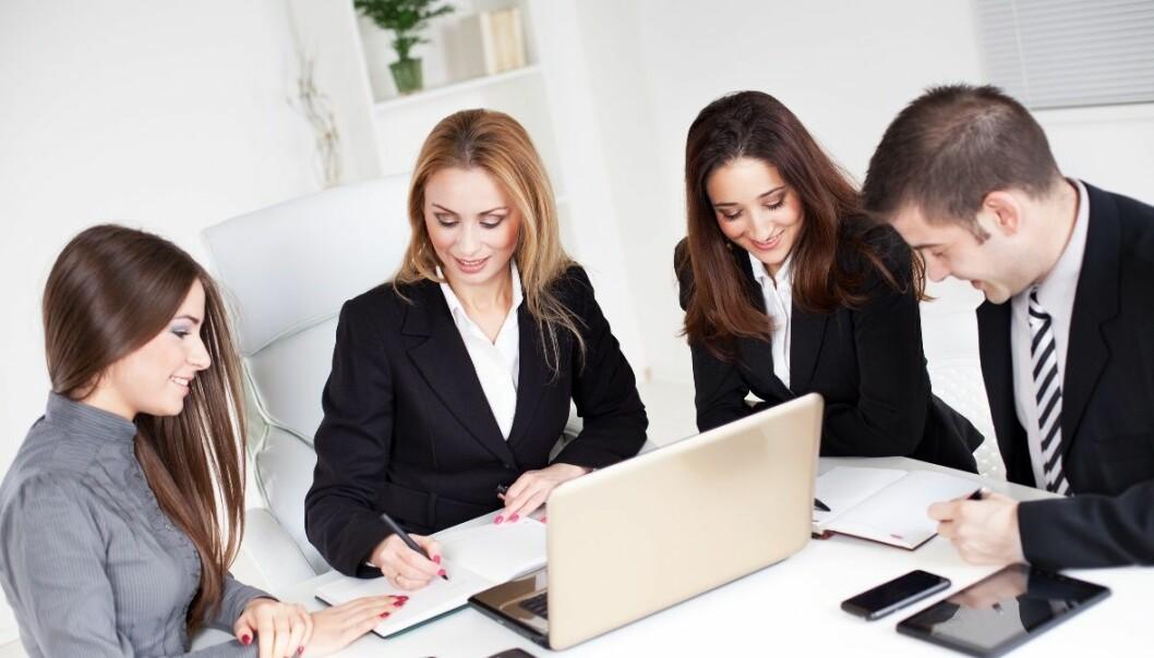 Stadig flere jobber i nettverk uten sjefer