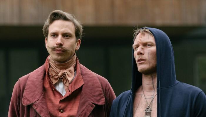H.C., spilt av Herbert Nordrum (t.v) er fra overklassen fra 1800-tallet. (Foto: Lukas Salna / HBO Nordic)