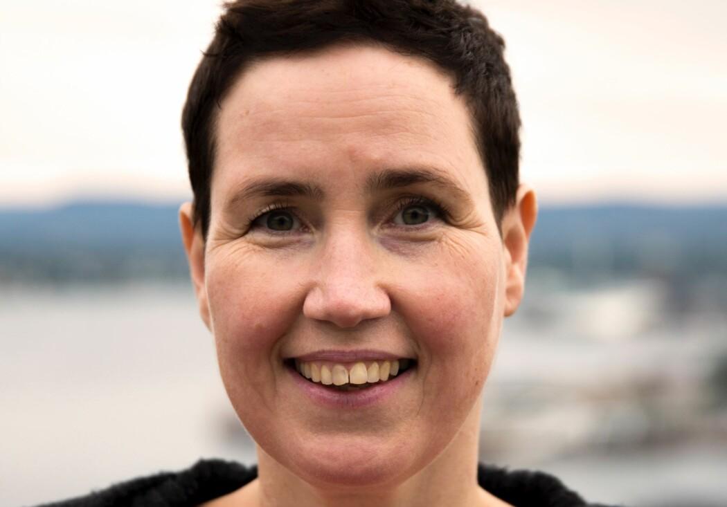 Oljeingeniører Gry Hege Henriksen var på jobb igjen ett år etter en blodforgiftning. Hun mistet hender og føtter, men ikke motet. (Foto: Privat)