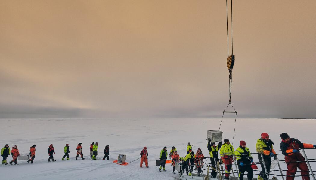 Forskningsprosjektet Arven etter Nansen har samlet Norges arktiske ekspertise fordi forskningsspørsmålene vi står overfor i de arktiske havområdene er for store, komplekse og ressurskrevende til at enkeltinstitusjoner klarer å løse dem alene. (Foto: Robin Hjeretnes)