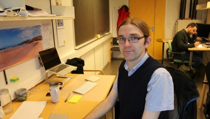 Postdoktor i fysikk, David Weir.  (Foto: Kjersti Hetland/NRK)