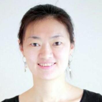 - Vi arbeider nært med industrien, og hjelper dei å utvikle ny teknologi. Vi kan skreddarsy kuler til ulik bruk, seier Jianying He, ei av 17 forskarar ved NTNUs eliteprogram.  (Foto: NTNU)