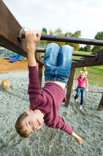 Barn har godt av lek der de tar litt sjanser. (Foto: Microstock)