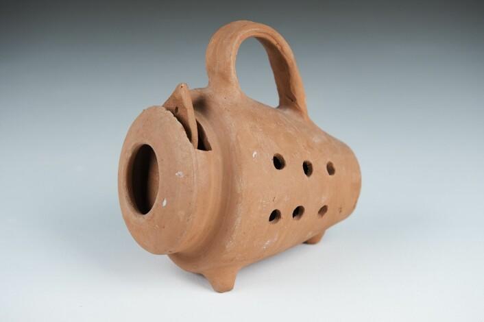 Kanskje den mest humane av dem alle: keramikkfellen fra Tunis, som slipper musen levende ut igjen.  (Foto: Benjamin A. Ward, HiOA)
