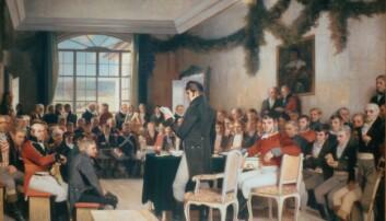 Før den norske grunnloven ble laget på Eidsvoll, var vi styrt av danskene. Var det et totalitært styre, eller var nordmennene rimelig fornøyde under danskekongen? Bildet Eidsvold 1814 er malt av Oscar Wergeland. (Foto: Stortingsarkivet)