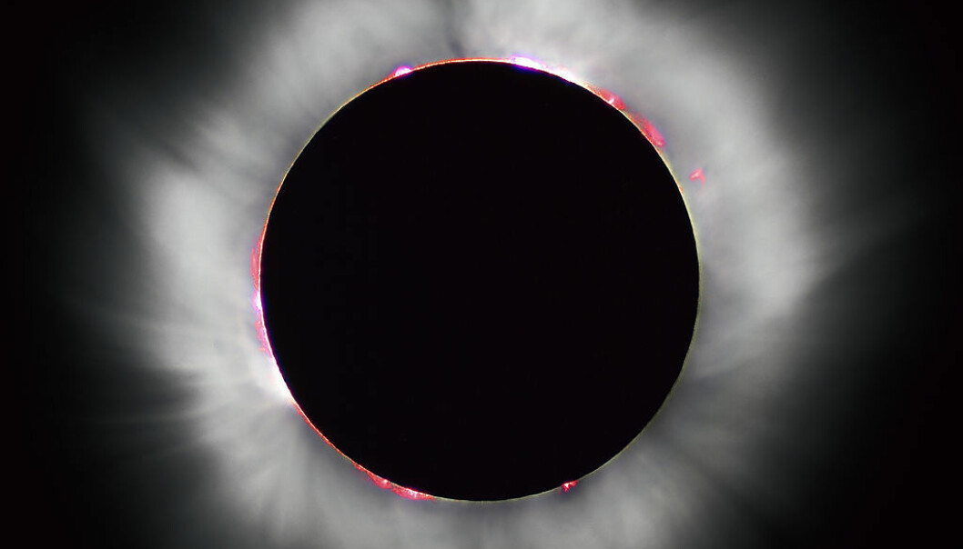 Under en total solformørkelse, kan man tydelig se koronaen rundt sola. (Foto: Luc Viatour/Creative Commons 3.0)