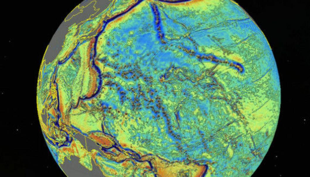 Ved hjelp av tyngdemålinger fra satellitter har forskere laget et nytt og mer detaljert kart over havbunnen. Kartet viser flere tusen ukjente undersjøiske fjell og kløfter.  (Foto: Live Science/Scripps Institution of Oceanography)