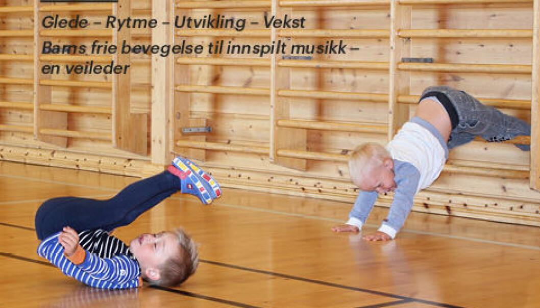 Et hefte har råd om hvordan voksne kan forholde seg til barn, bevegelse og musikk. (Bildet viser del av forsiden på heftet)