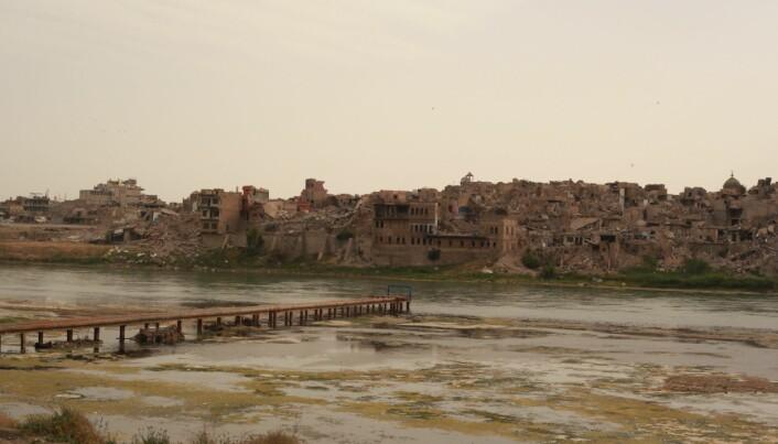 Gamlebyen i Mosul ble bombet under militæroperasjonene mot IS. Den ligger fortsatt i ruiner. (Foto: Mathilde Becker Aarseth)