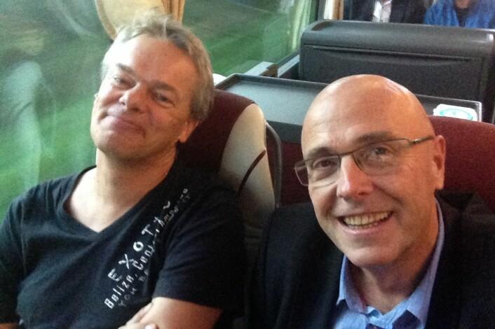 Selfie med Edvard Moser og meg på vei fra Værnes til Trondheim. Tatt etter at han vendte tilbake fra München på tirsdag. (Foto: privat)