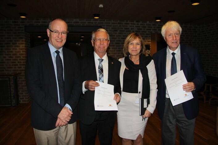 (Foto: rekor Gunnar Bovim, vegsjef Terje Moe Gustavsen, direktør Marit Brandsegg og dekan Ingvald Strømmen)