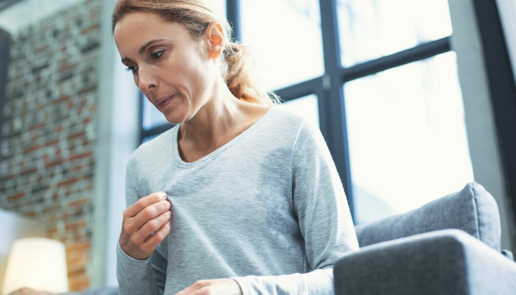 Når østrogennivået faller får mange kvinner dårligere livskvalitet. De får hetetokter, dårligere søvn og et dårligere seksualliv. (Foto: YAKOBCHUK VIACHESLAV / Shutterstock / NTB scanpix)
