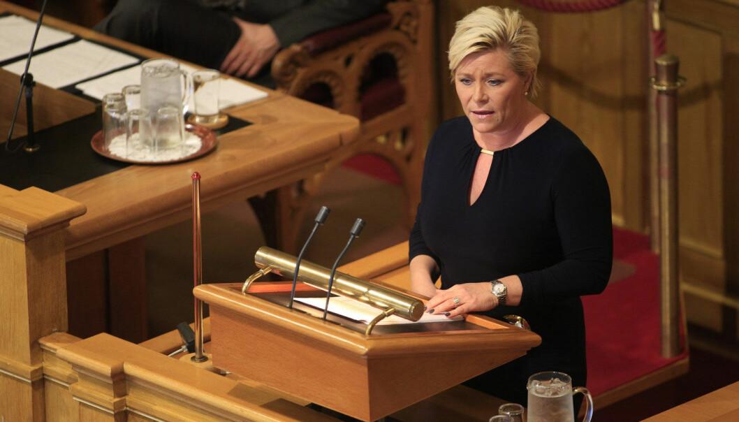 Finansminister Siv Jensen legger frem statsbudsjettet i Stortinget onsdag formiddag. (Foto: Torstein Bøe, NTB scanpix)