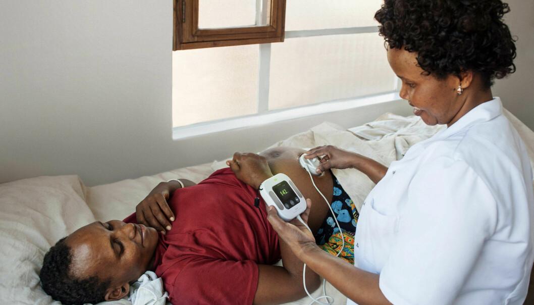 Nye metoder for å måle hjerteraten gir viktig informasjon om status på fosteret. Denne teknologien er med på å gi biter av verdifulle data som forskere kan sette sammen til tidslinjer over fasene både før, under og etter en fødsel.