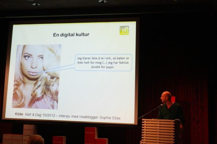Medieforsker Petter Bae Brandtzæg mener at når ungdommer nå i større grad gjemmer seg i sosiale medier, så kan de bli enda vanskeligere å engasjere, både for organisasjoner og massemedier.  Da må det komme nye kanaler og nye teknikker for å engasjere unge. (Foto: Siv Haugan)