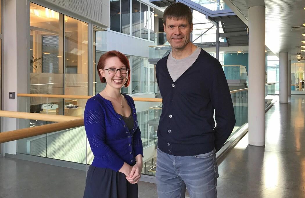 Stipendiat Meghan Bradway og professor Eirik Årsand bidrar gjerne med e-helseforskning som kan redusere bruk av tobakk. (Foto: Lene Lundberg)