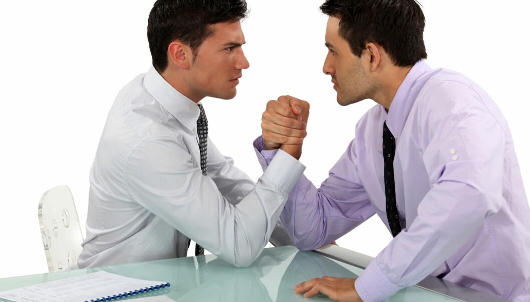 Ikke uventet kan samarbeidsklimaet bli dårlig når to individuelt orienterte forhandlere møtes. Mer overraskende er det kanskje at de heller ikke gjør det særlig bra økonomisk. (Illustrasjonsfoto: Colourbox)
