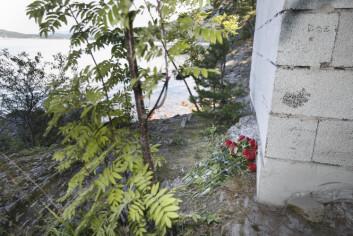Rosetog og samhald prega den første tida etter terroraksjonane 22. juli 2011. Folk laga spontant sine eigne minnestader.  (Foto: Scanpix, Vegard Wivestad Grøtt)