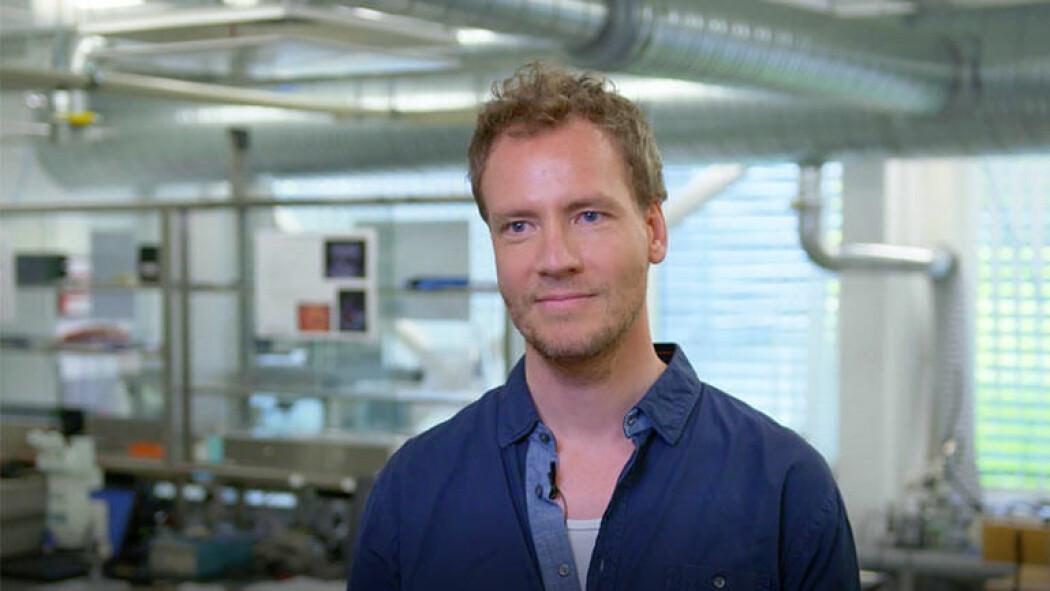 Bedre kontroll over ultralyd kan føre til en mer treffsikker behandling med cellegift. Kenneth Kirkeng Andersen har forbedret teknologi som styrer ultralyd. (Foto: USN)