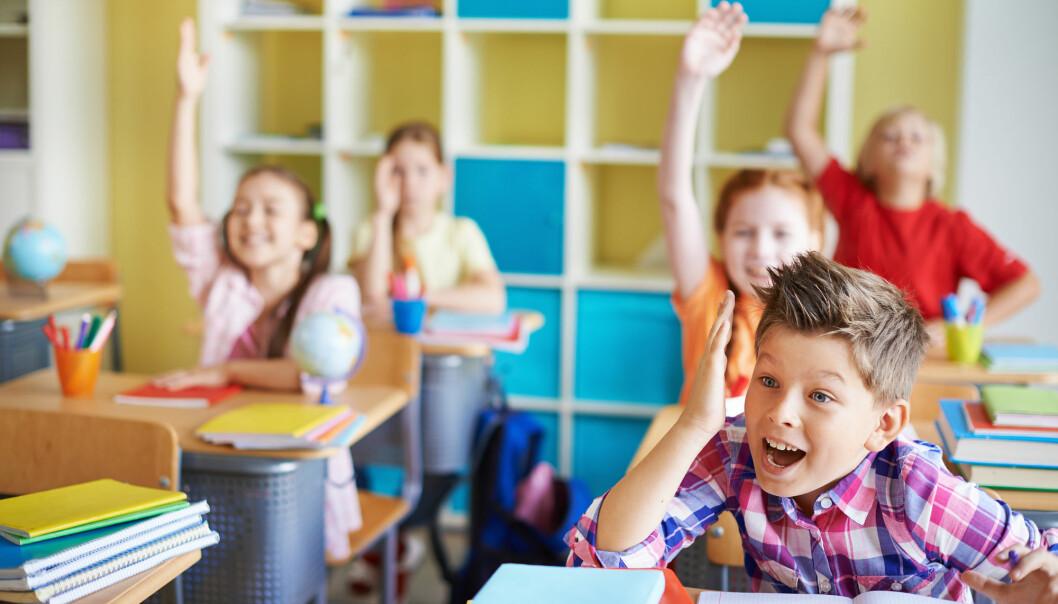 Sammen med lesing, skriving, regning og digitale ferdigheter ses muntlighet på som en grunnleggende ferdighet i norsk skole. På papiret. (Illustrasjon: Pressmaster / Shutterstock / NTB scanpix)