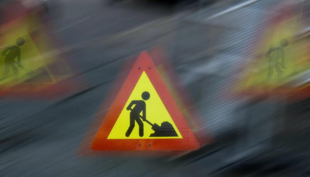 Renata Torquato Steinbakk i Statens vegvesen har undersøkt hvordan menneskelige faktorer påvirker bilistenes valg av fart ved veiarbeid. (Foto: Knut Opeide).