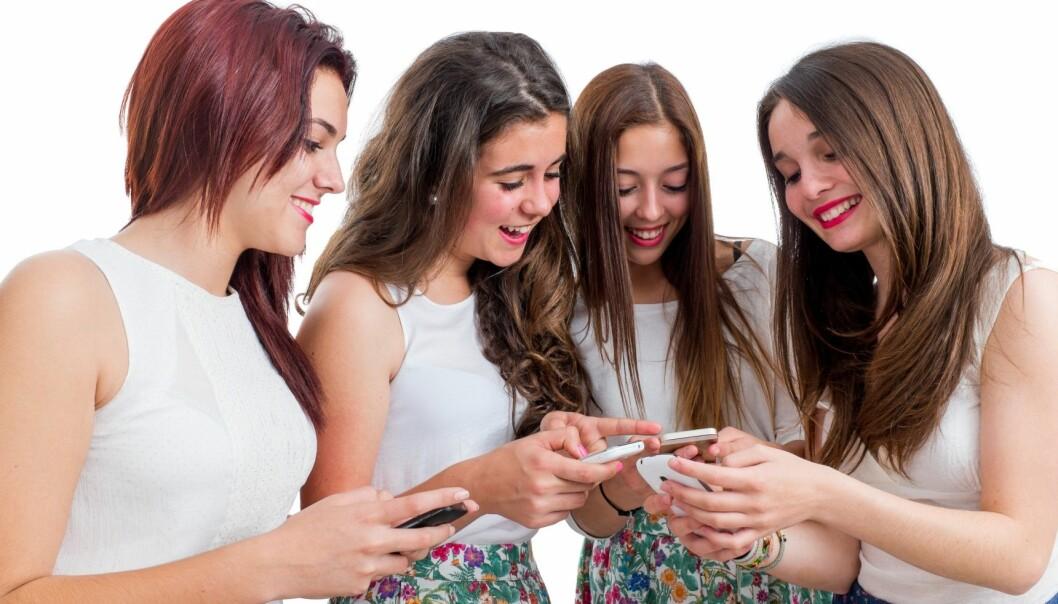 Tre av ti sier at mange «likes» styrker selvtilliten deres. (Illustrasjonsfoto: Microstock)