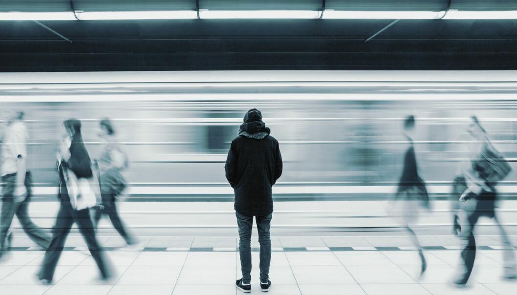 Ensomme personer som bor alene kan være sårbare for ytterliggående miljøer, hevder forsker Stian Lid. (Illustrasjon: BOOCYS / Shutterstock / NTB scanpix)