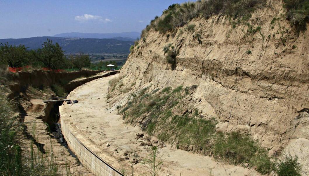Åpnes om to uker. Funnet av gravkammeret i Amfipolis har gjort både arkeologer, historikere og regjeringsmedlemmer svært spente på hva som skjuler seg på innsida.  (Foto: Alexandros Michalidis, AP)