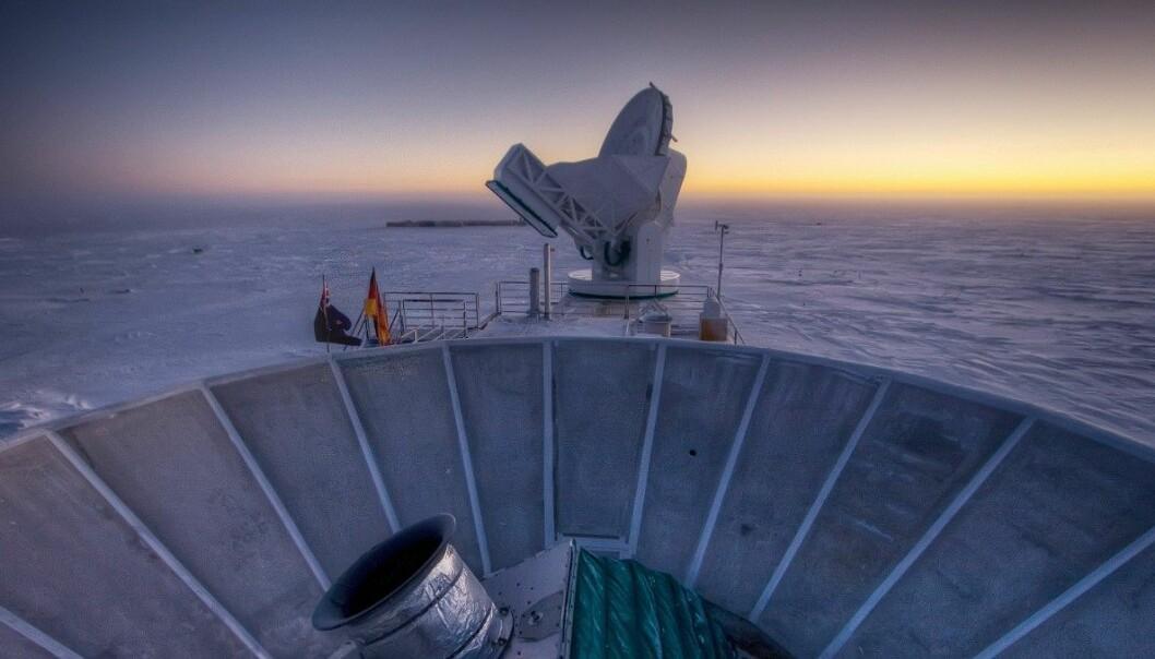 Ekko frå Big Bang var støv