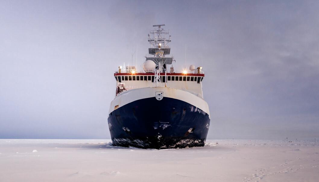 Isbryteren Polarstern skal tilbringe et år i isen i Nordishavet med mange forskere om bord. Arkivbilde tatt i Weddellmeer, Sørishavet. (Foto: Mario Hoppmann, Alfred-Wegener-Institut, NTB scanpix)