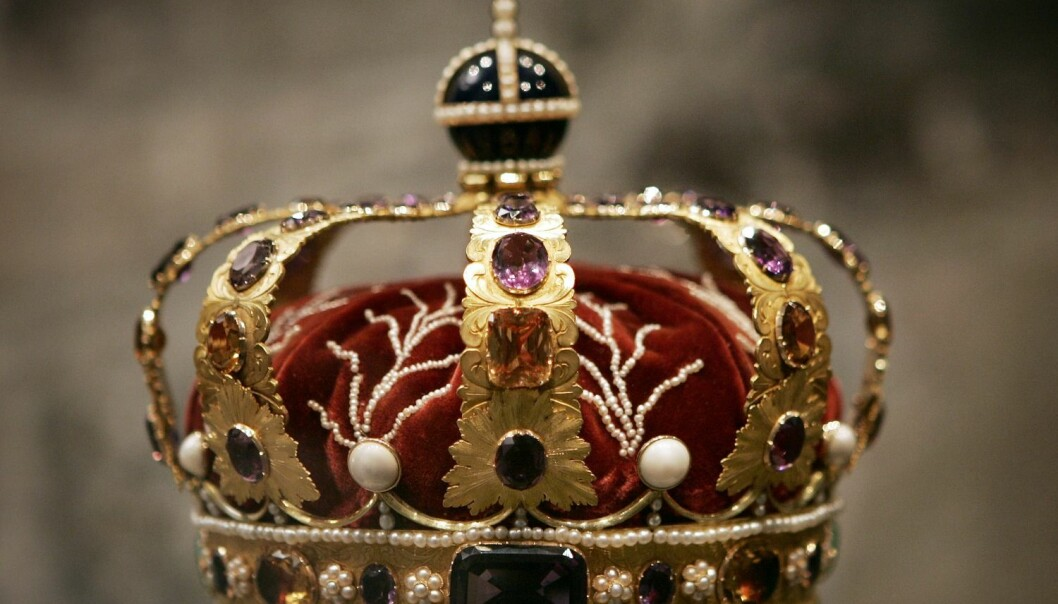 Den norske kongekronen utstilt i regaliehvelvene i Artilleribygningen i Erkebispegården i Trondheim. (Foto: Gorm Kallestad, NTB Scanpix)