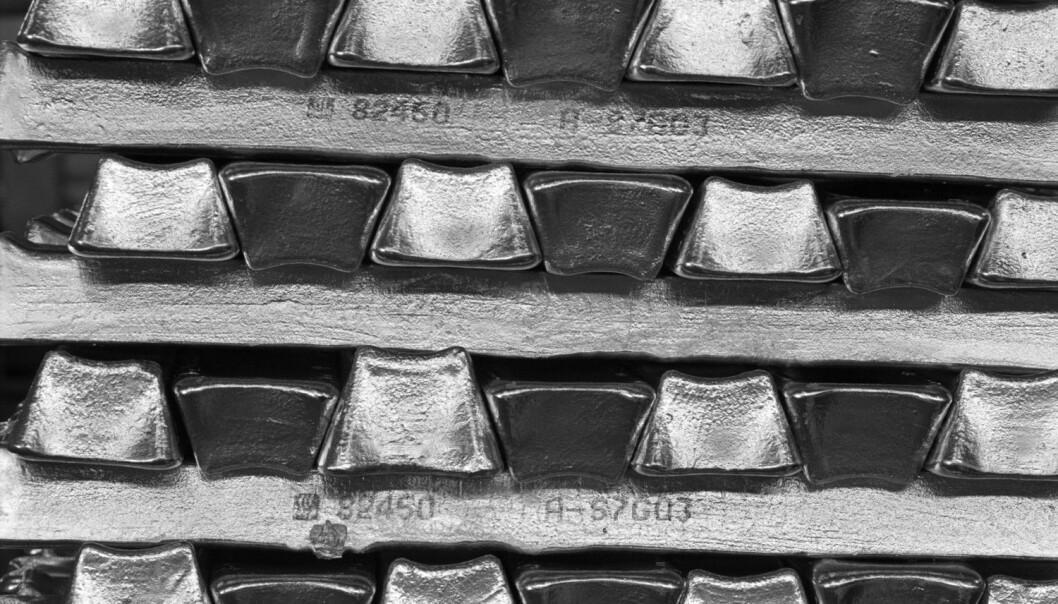 Aluminium i barrer fra Hydro Aluminium i Øvre Årdal. (Foto: Bård Løken, Samfoto)