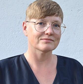 For Edith Gjevjon, sykepleier og instituttleder ved Lovisenberg Diakonale Høgskole er det en selvfølge at luktesansen er en del av sykepleie. Men hun advarer mot å redusere sykepleie til noe ullent som dreier seg om intuisjon - sykepleiere kan lukte urinveisinfeksjon, men de kan også ta testen som bekrefter at dette faktisk stemmer, og administrere behandling. (Foto: privat)