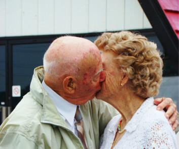 Det er en sammenheng mellom hyppigheten av kyss og tilfredsheten i forholdet. (Foto: Microstock)