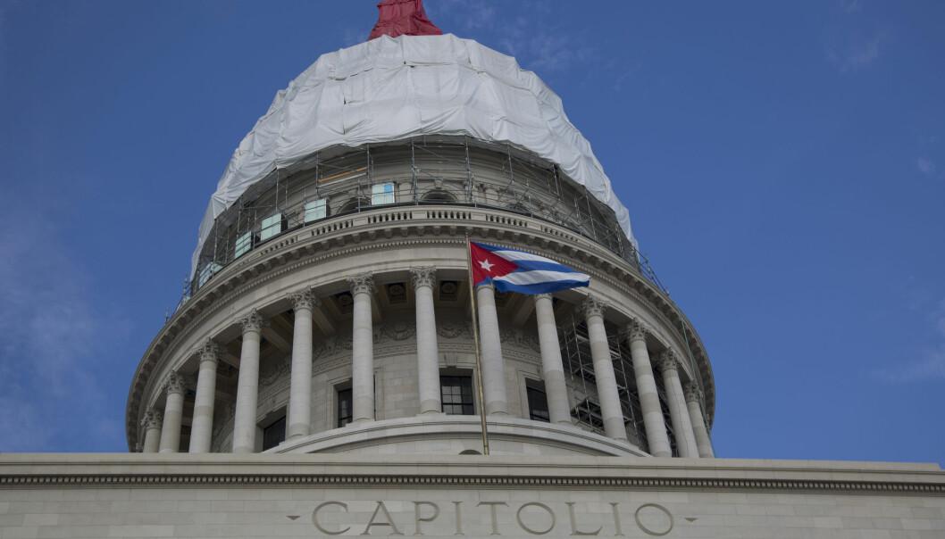 Cuba har hele tiden nektet for å ha noe med den uforklarlige sykdommen til diplomater som har vært stasjonert i Havanna. Ifølge forskerne tyder mye på at diplomatene ble eksponert for myggmiddel. (Foto: AP, NTB scanpix)