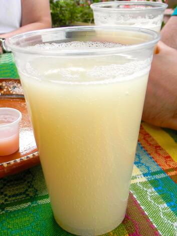 Drikken pulque, slik den ser ut i dag. (Foto: Marisol Correa Ascencio)