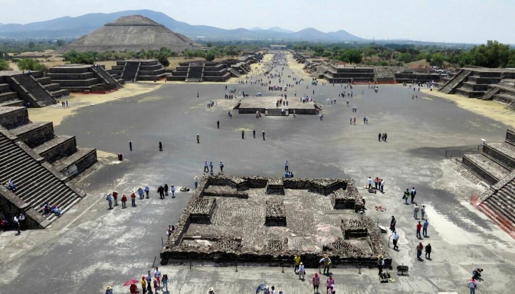 Utsikt fra Månepyramiden over den utdødde byen Teotihuacan i Mexico. (Foto: Reuters, Scanpix)
