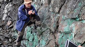 Gull og grønne steiner i Finnmark