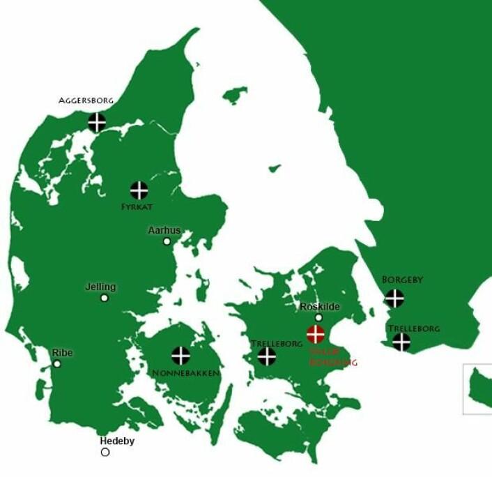Her kan du se et overblikk over ringborgenes plassering i Danmark – samt de to borgene i Sverige, som skiller seg fra de danske på noen avgjørende punkter. Vallø Borgring kan vise seg å være en hybrid mellom de danske og de skånske borgene.  (Foto: (Illustrasjon: Mette Friis-Mikkelsen Videnskab.dk))