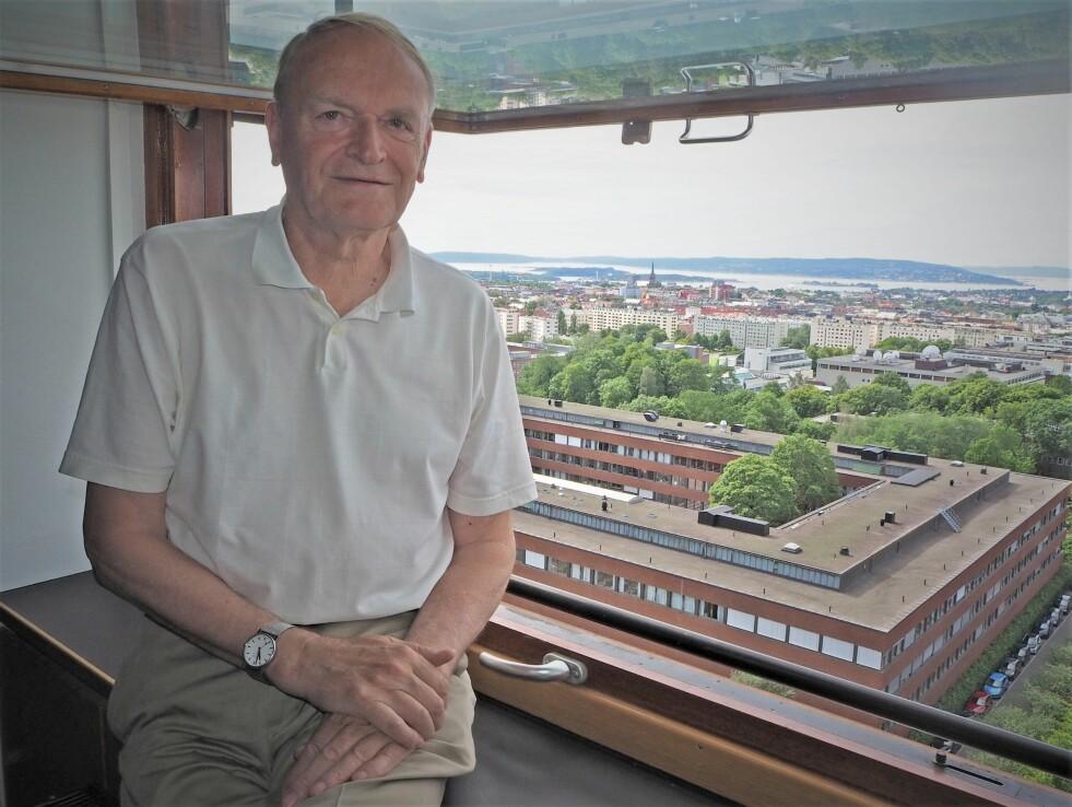 Professor Tom Lyche med utsikt over byen som den 40 år gamle - men evig unge - algoritmen hans er oppkalt etter. (Foto: Bjarne Røsjø, UiO)